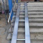 пандусы из алюминия на лестницу